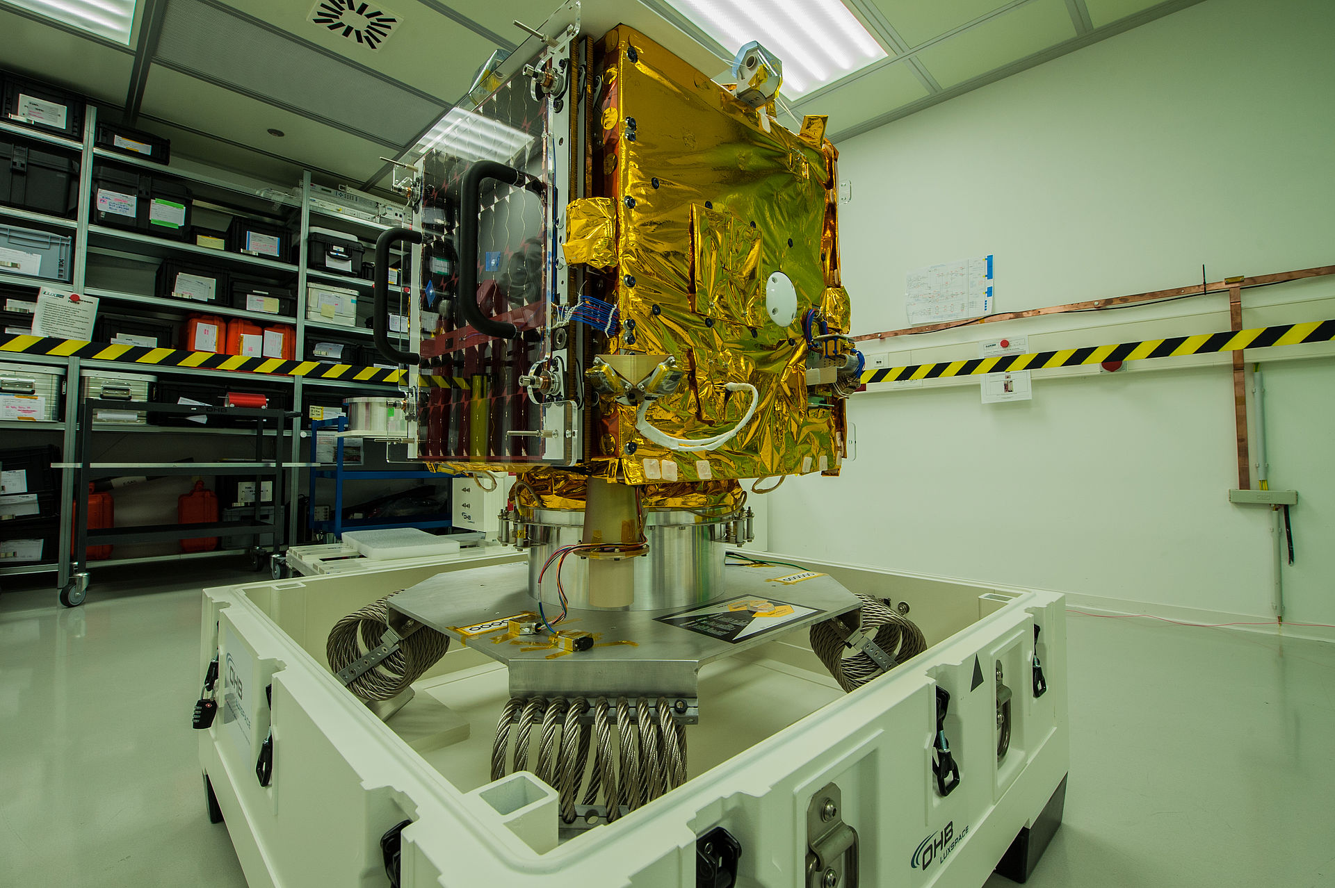Small but powerful: Microsatellite ESAIL gets ready for launch