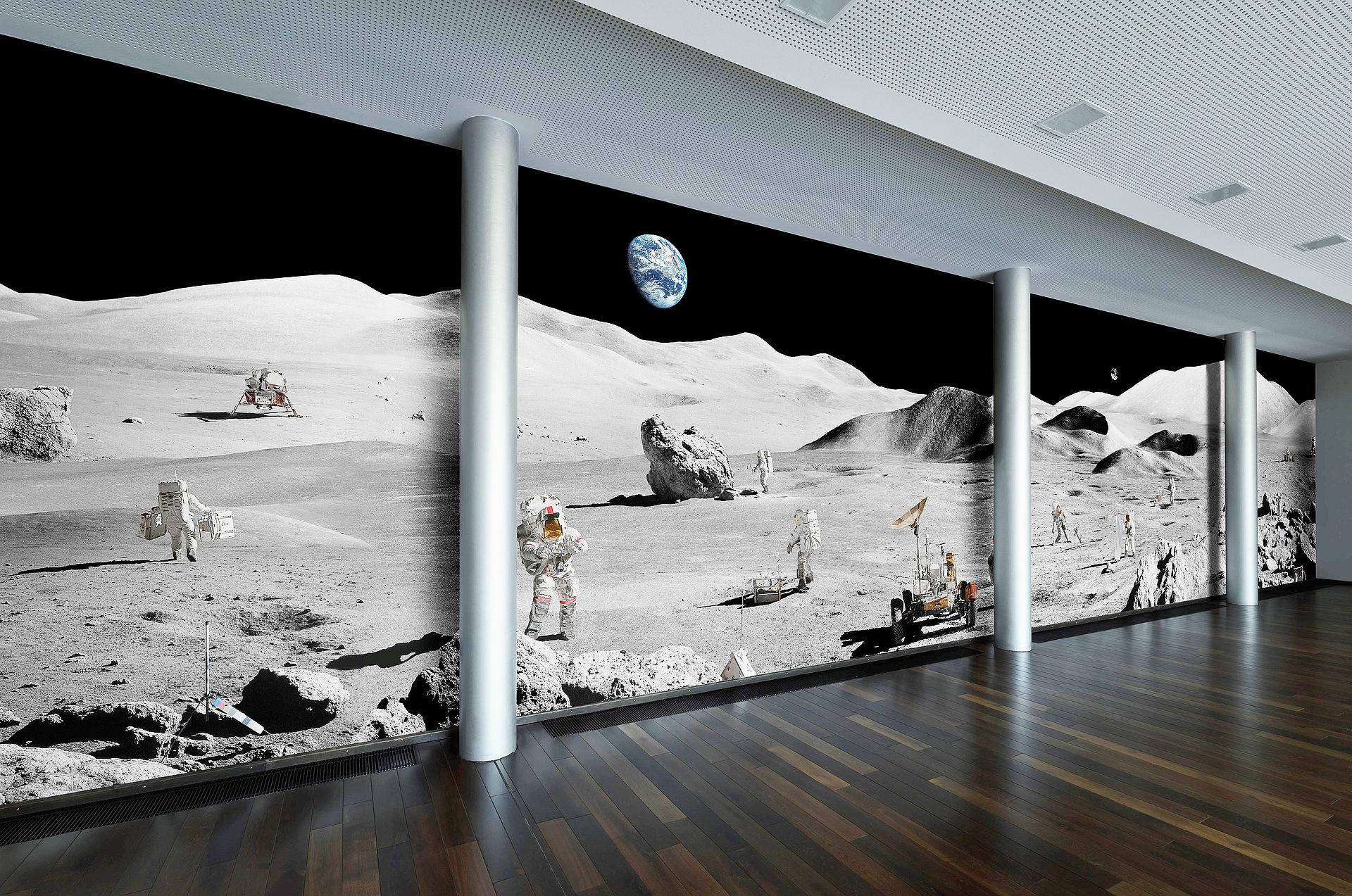 "20-meter moonwalk: How the ""Lunar Explorers"" photographic work of art by Michael Najjar found its way to OHB"