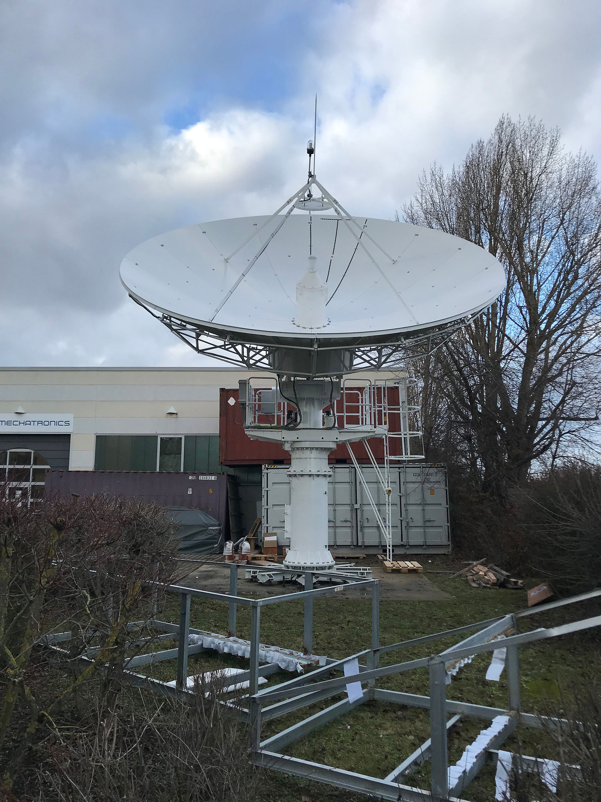 MT Mechatronics building first test antenna for Heinrich Hertz telecommunications satellite mission